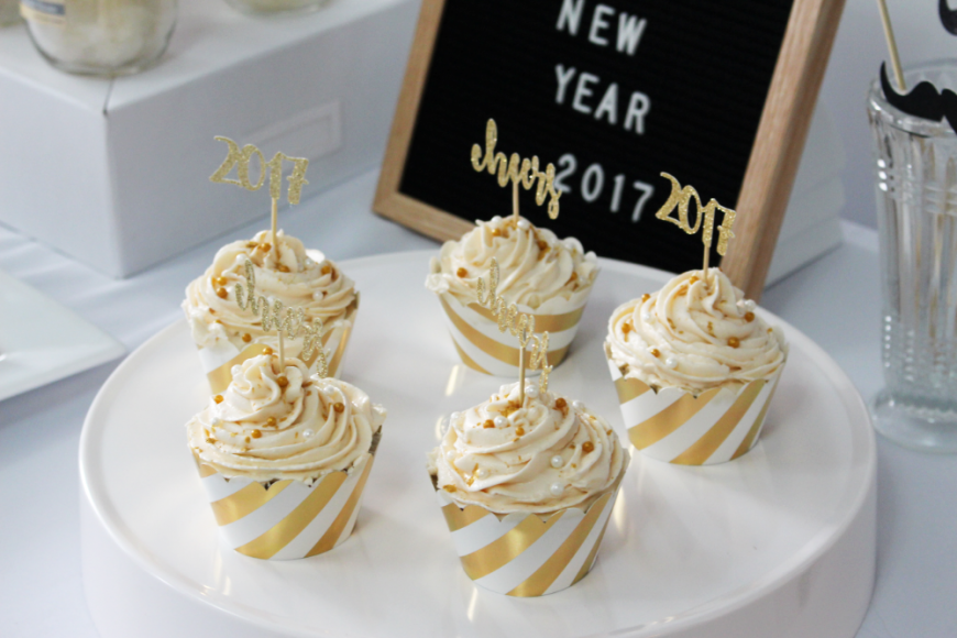 The Perfect Boozy NYE Sparkling Wine Cupcakes 8