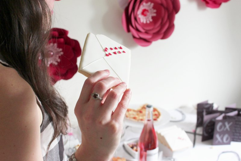 Cheers To Good Friends! A Valentine's Day Party Tutorial! 31