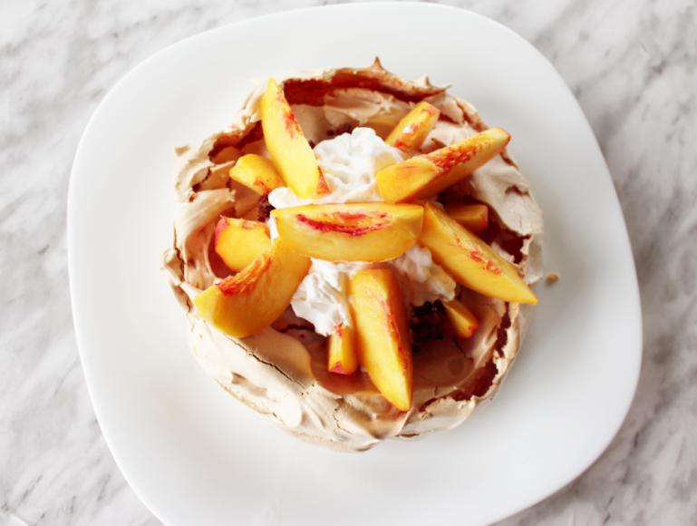 How to Make A Light Delicious Classic Pavlova 9