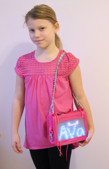A Smart Pixel Purse With Fun Messages For Tweens! 9